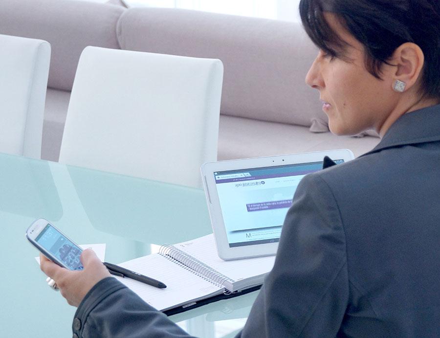 Elisa Cabezas, assistent virtual de direcció i màrketing online